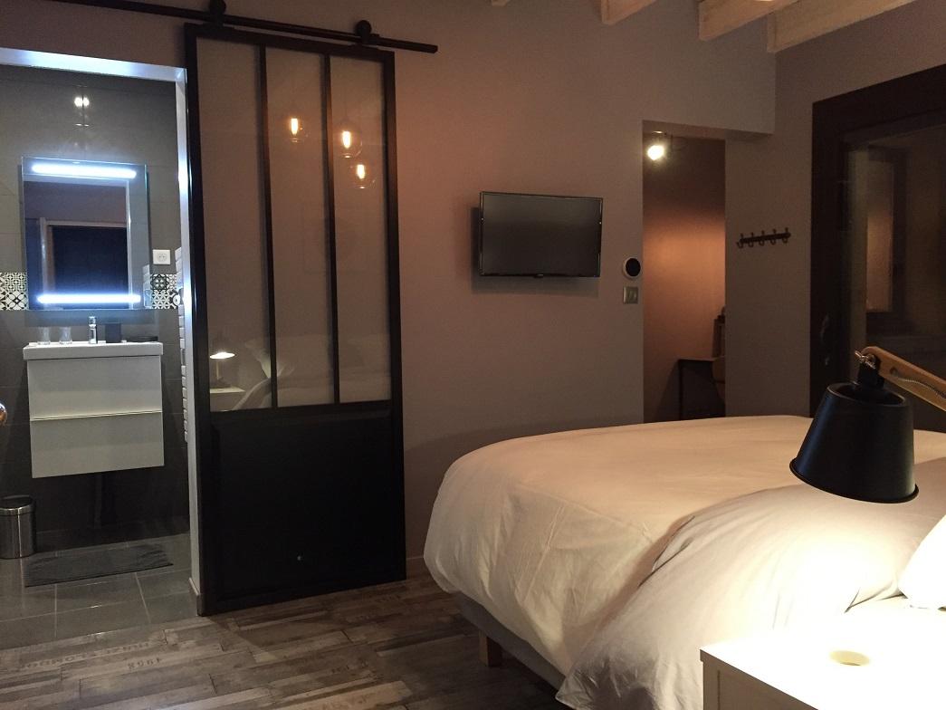 auguste-bedroom-large-view